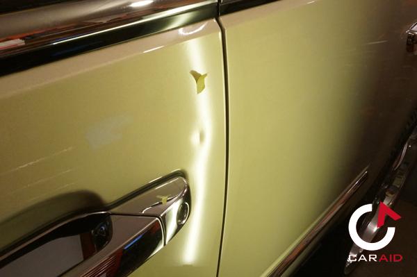 キャデラック・エスカレードのドアのヘコミデントリペア前