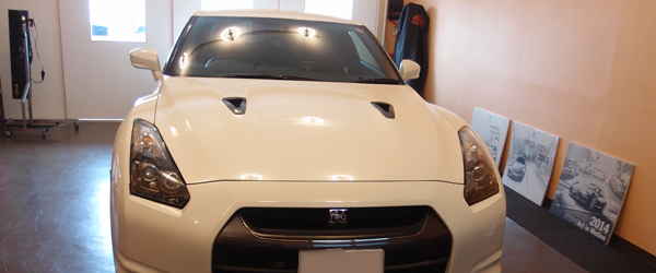 カーエイドの作業ガレージ写真画像、画像の車はスカイライン、GT-R、R35