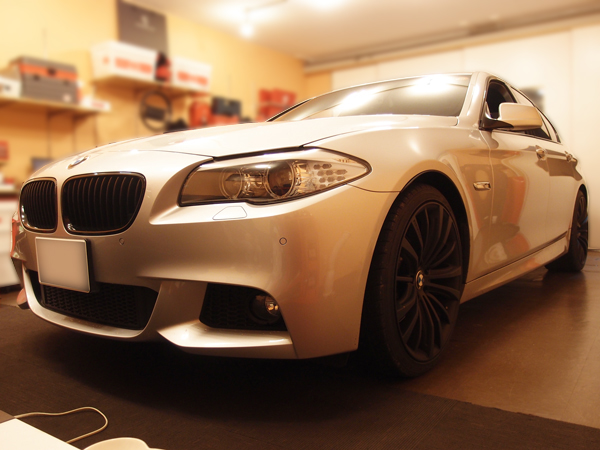 BMW5シリーズウインドリペア施工車輛